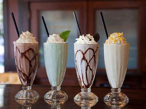 Bubuk Milkshake Blend Chocolate Coklat 18 jenis minuman favorit yang biasa disajikan di cafe sesuai dengan karakteristik bahan dan
