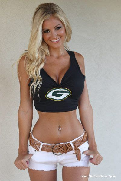 The Green Bay Packers Hottest Fan Laura Athlonsports Com Sexy Cheerleaders Pinterest