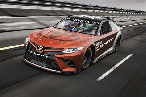 Toyota Camry Nascar Toyota S Nascar Quest Previewing The 2018 Camry Based V 8