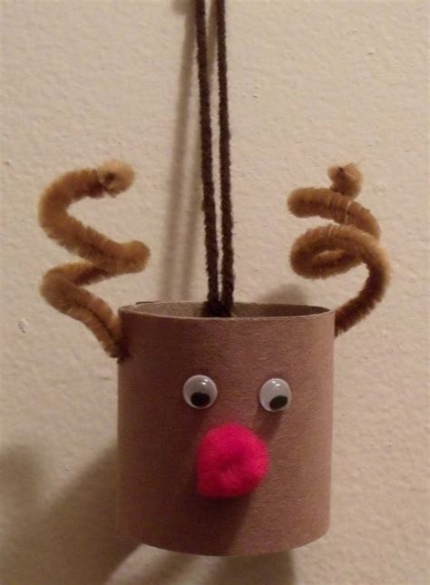 Toliet Paper Crafts - toilet paper roll reindeer craft of toria