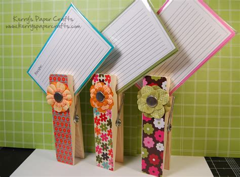 paper crafts that sell such an easy and idea to use as a recipe card holder