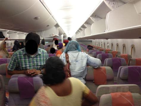 emirates jfk to dubai review of emirates flight from dubai to new york in economy