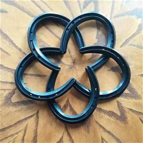 horseshoe decor black horseshoes and burlap as a wreath cowboy star western decor horse shoes cowboy art infinity