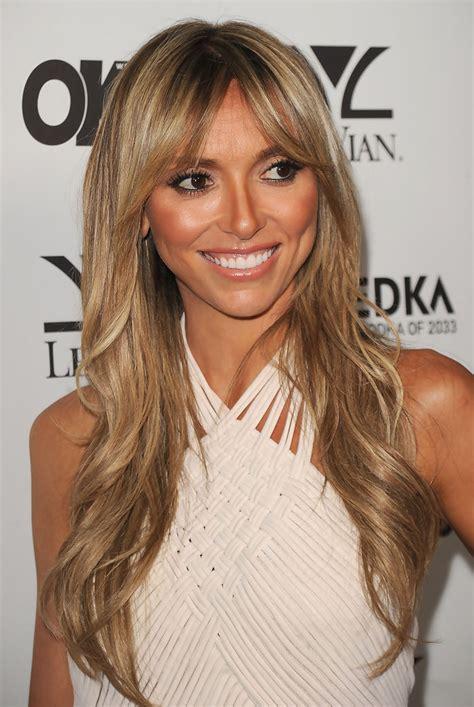 guiliana rancic hair looks stupid august 2010 fabulously flipped giuliana rancic s many