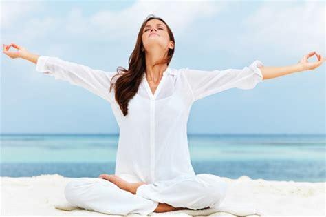 imagenes de mujeres espirituales 10 beneficios del yoga para las mujeres arbol de la vida