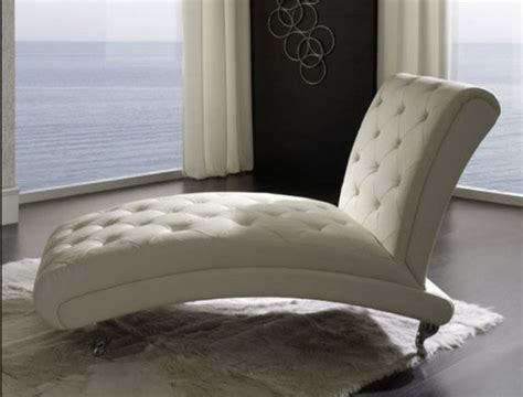 Make Your Every Minute In Your Bedroom Meaningful With Chair For Bedroom