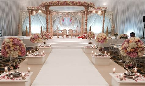 Bride And Groom Table Decor Stylish Mandaps Wedding Stage Decor Amp Themed Events At