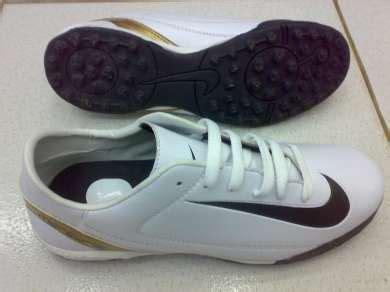 Sepatu Futsal Bermerk sepatu futsal adidas lotto nike juni 2012 muhamad fatkhy