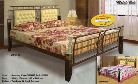 Tempat Tidur Besi Success ranjang besi kombinasi kayu venus jupiter mahkota kreasi furniture distributor perabotan