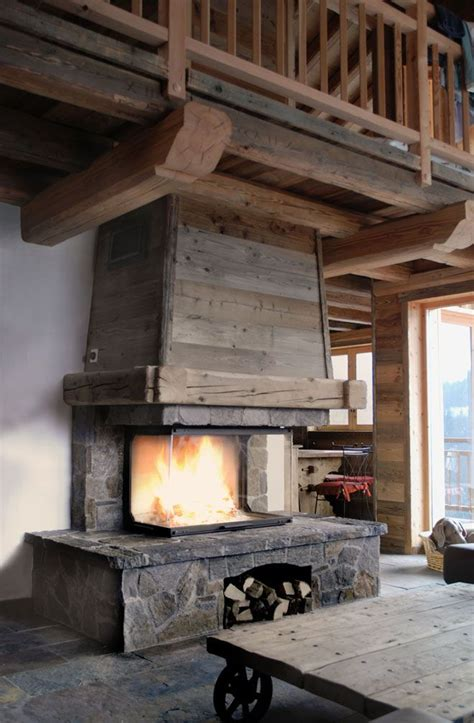 foyer de montagne fireplace chalet chemin 233 e chalet en de taille et