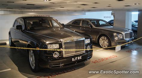 roll royce singapore rolls royce phantom spotted in singapore singapore on 05