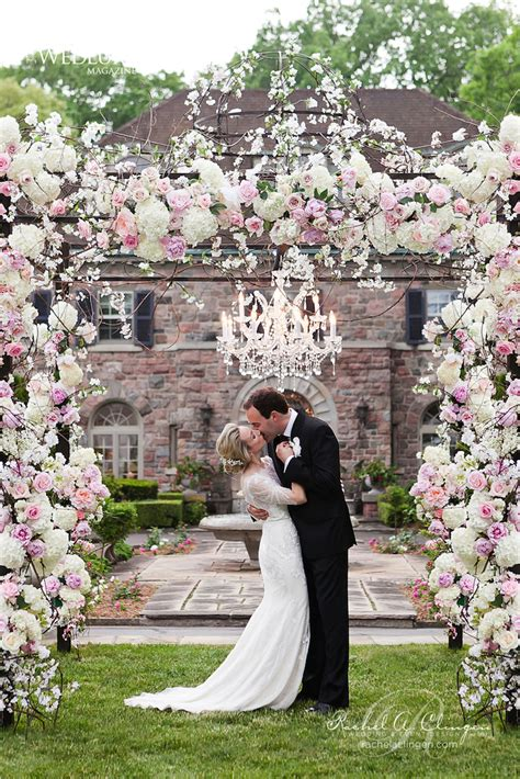 12 Gorgeous Wedding Ceremony Decor Ideas Belle The Magazine Flower Garden Wedding