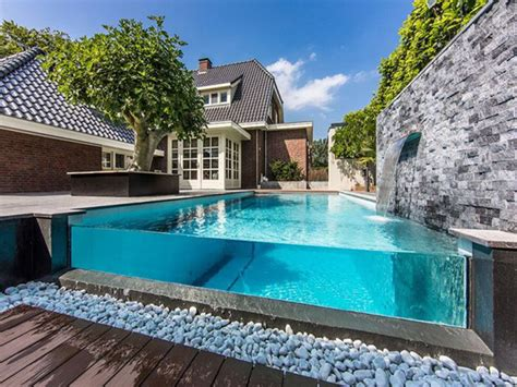 pool mauern clear glass pool