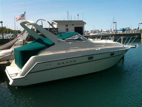 maxum power boats 1996 maxum 2700 scr power boat for sale www yachtworld