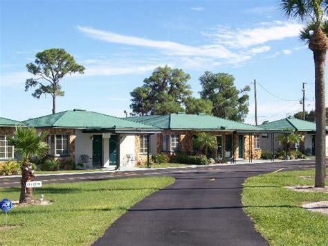 Avon Motel Cottages by Lake Brentwood Motel Avon Park Fl Motel Reviews Tripadvisor