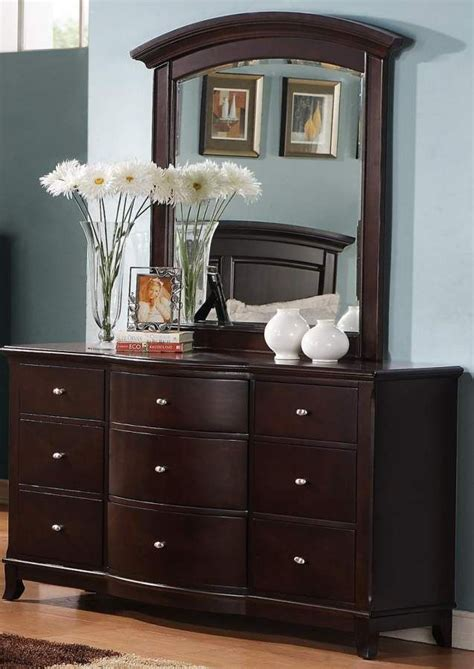 Bedroom Dressers With Mirrors by Cherry Wood Dresser With Mirror Bestdressers 2017