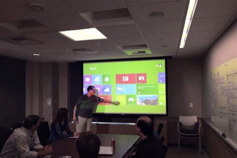 Proyektor Touchscreen Ubi Interactive S Kinect App Turns Any Surface Into A