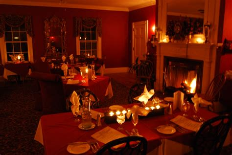 romantic dinner romantic gift ideasfor him or her to celebrate