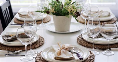 tavola rustica apparecchiata consigli per apparecchiare la tavola in estate foto