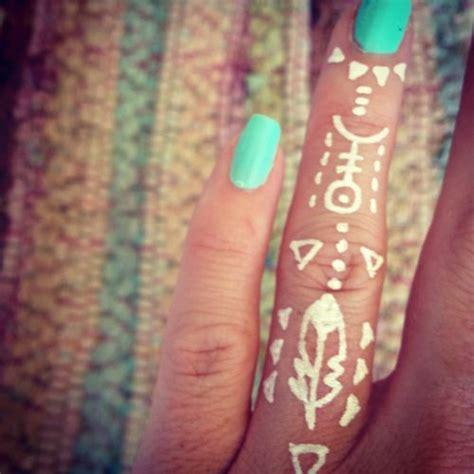 finger tattoo ink bleeding 45 best images about henna tattoos on pinterest