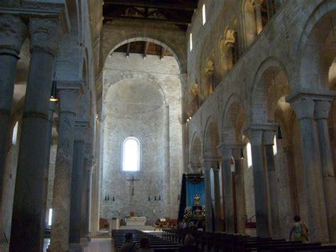 cattedrale di trani interno trani