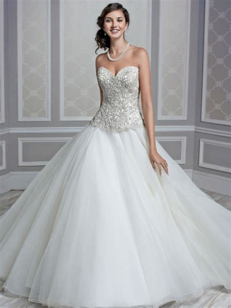 imagenes de vestidos de novia con pedreria vestidos de novia con encaje y pedrer 237 a