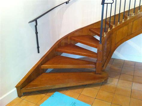 scala rivestita in legno progetto scala interna elicoidale idee ristrutturazione casa