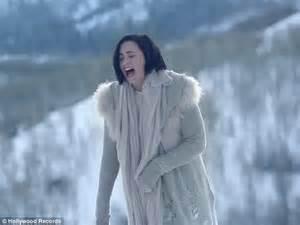 demi lovato stone cold türkçe demi lovato cries on utah mountain in the most emotional