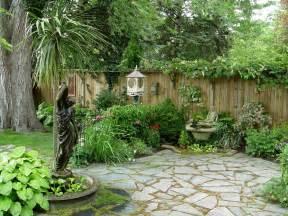 Garden Patio Images by Gardening Small Garden Housecalls