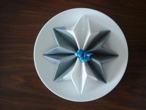 Pliage Serviette Etoile by Pliage Serviette Etoile Flocon Blanc Et Gris