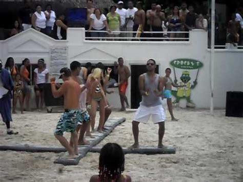 chicas en la playa youtube animacion en la playa oasis hamaca boca chica 2010 youtube