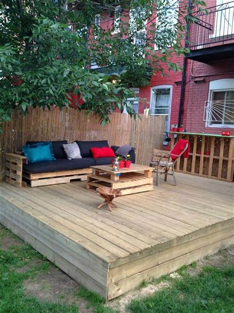 How To Make A Patio With Pallets by Diy Pallet Deck Tutorial 99 Pallets