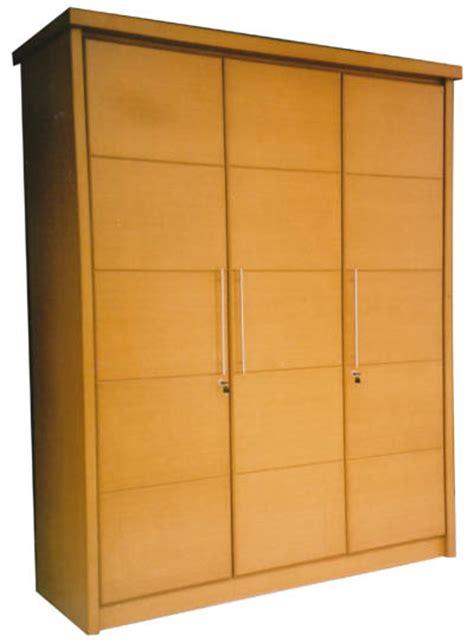 Lemari Pakaian Tiga Pintu lemari pakaian 3 pintu untuk efisiensi ruang kitchen set