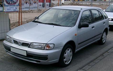 Popular Cars: Nissan Almera