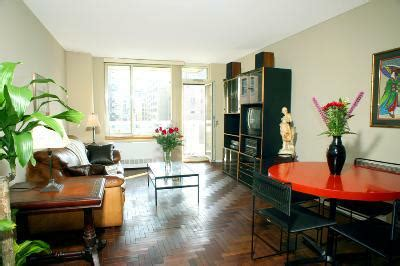 lovely clean one bedroom on the upper west side the quintessential upper west side manhattan apartment