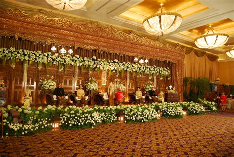 Kirana Wedding Organizer Bandung by Indoor Atau Outdoor Wedding Venue Fnc Wedding Planner