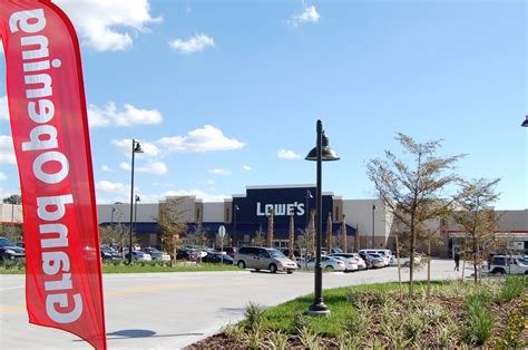 sarasota gets a new lowes store