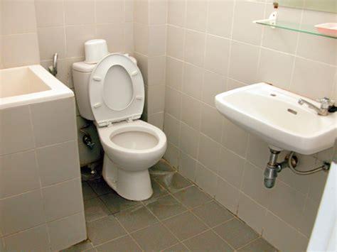 design kamar mandi luas memberi kesan luas pada kamar mandi mungil 19design