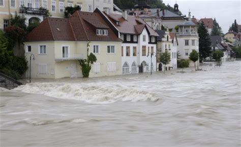 8 die in floods central europe on alert