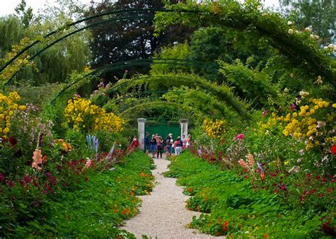 garten monet monet garden giverny in pictures the