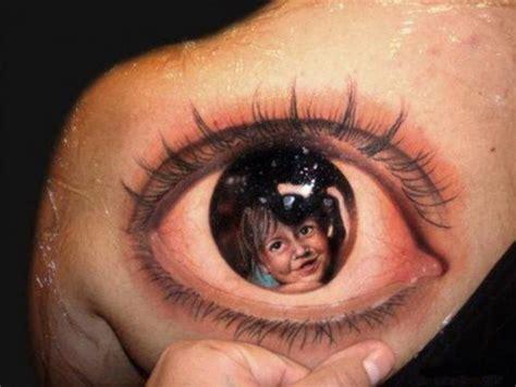 eyeball tattoo under chin 3d tattoos an overview of the world s best 3d ink