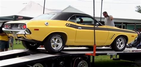 1972 challenger rt 1972 dodge challenger r t ripping up the dyno cars