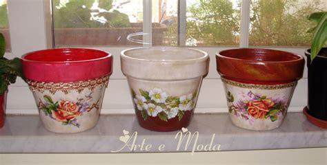 vasi di fiori dipinti vasi dipinti con soggetti floreali per la casa e per te