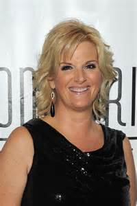 trisha yearwood shaggy hairstyle style how tos tips ehow