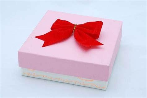 como decorar mis regalos mis manualidades y mucho mas como decorar una caja para
