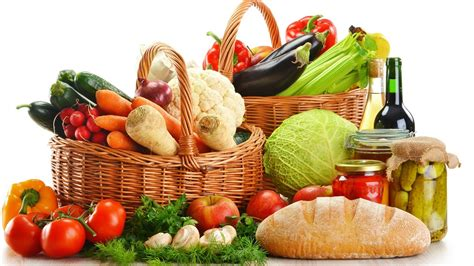 healthy food teenagers must focus on the foods to eat to be healthy and avoid junk foods