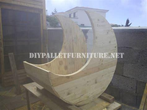 Diy Pallet Moon Shaped Baby - cradle moon shaped with palletsdiy pallet furniture diy