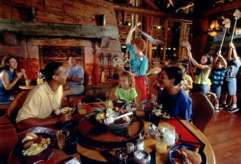 mickey s backyard bbq serving disney s wilderness lodge cooking the old fashioned way