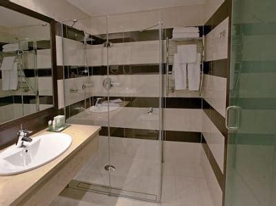 sale da bagno moderne cuarto de ba 241 o moderno y elegante en el hotel de 4