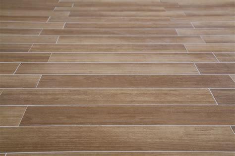 piso madeira 10 tipos de porcelanatos que imitam madeira